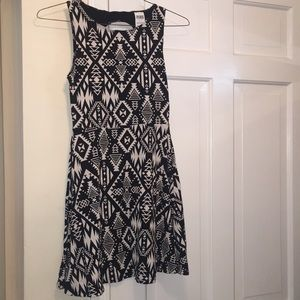 VS Pink Black and White Print Dress Small